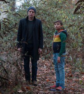C'est l'enfant qui ramène l'espoir: Le film Place des Victoires vu par les ac