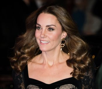 Kate Middleton, divine duchesse dans une longue robe en dentelle