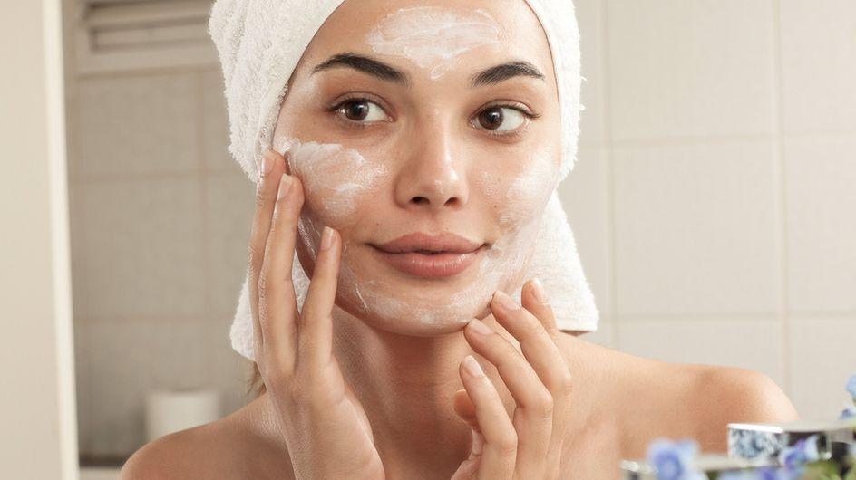 Cómo combatir el acné adulto: consejos para cada zona del rostro