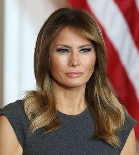 Cape jaune et robe fuchsia, le look vitaminé de Melania Trump pour rencontrer El