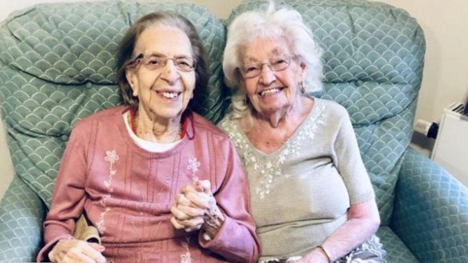 """Amies depuis 80 ans, elles choisissent la même maison de soins pour se voir """"toute la journée"""""""