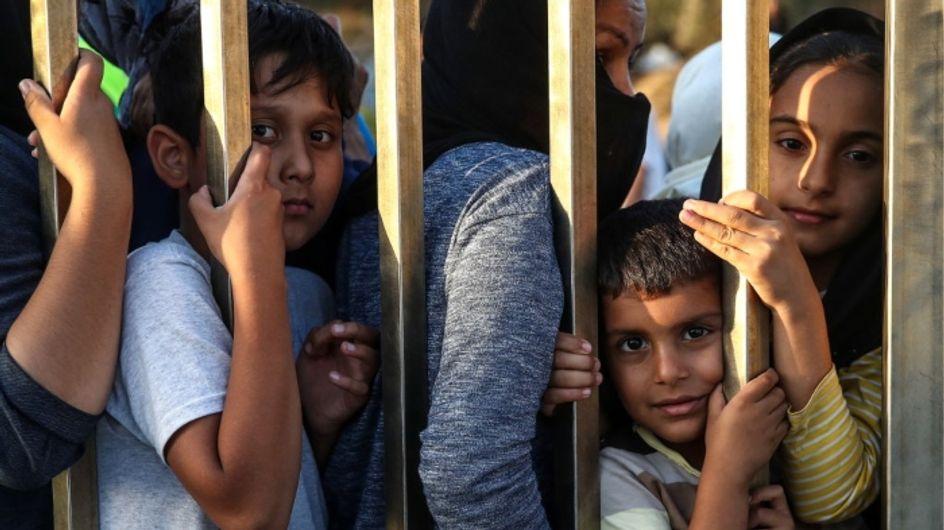 """Confrontés à des conditions """"inhumaines"""", des enfants tentent de se suicider dans les camps en Grèce"""