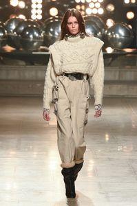 Monochromer Look gesehen bei der Fashion Show von Isabel Marant