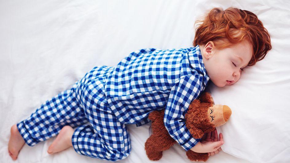 8 geniale Tipps, mit denen dein Kind abends besser einschläft