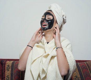 Black mask fai-da-te: come purificare la pelle in modo naturale