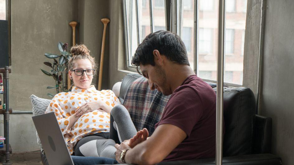 Piedi gonfi in gravidanza: cause e rimedi