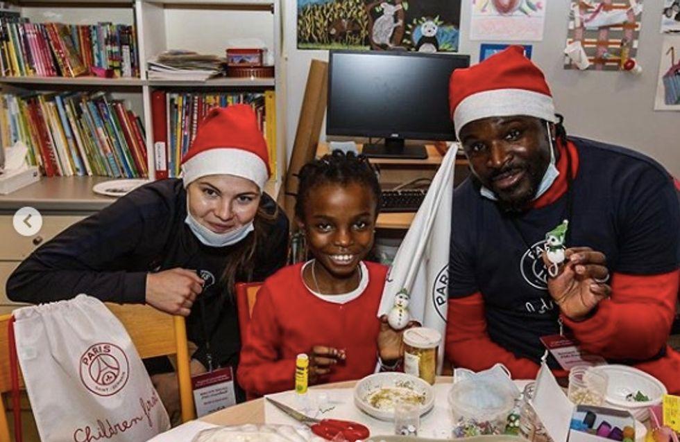 Les filles du PSG redonnent le sourire aux enfants malades