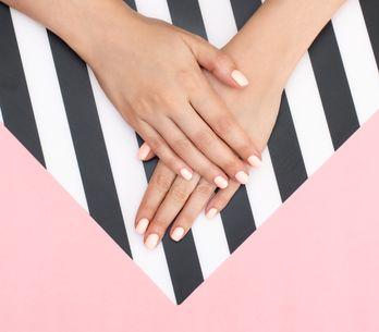 Come togliere lo smalto semipermanente: guida dettagliata per le amanti del fai