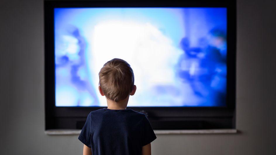 Les enfants exposés aux écrans le matin ont trois fois plus de risque de développer des troubles du langage