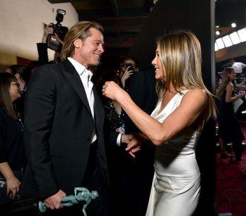 Aux SAG Awards, la complicité entre Brad Pitt et Jennifer Aniston affole la Toil