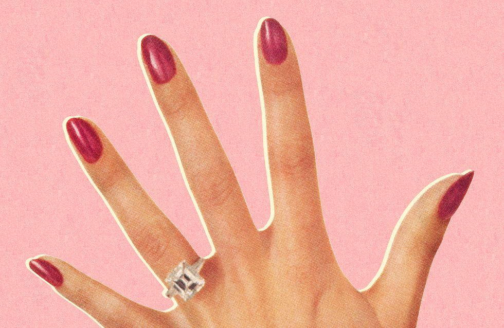 Comment enlever du vernis semi-permanent (sans abîmer ses ongles) ?
