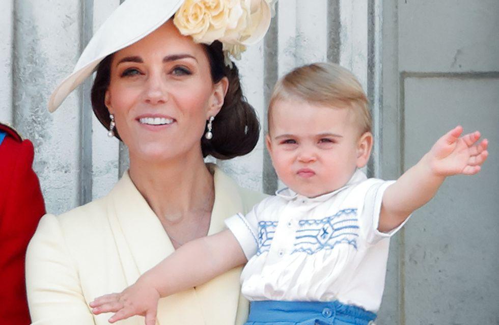En sortie au musée avec sa nounou, le prince Louis a bien grandi !