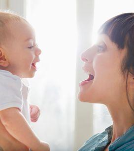 Accentuer les mots d'une phrase pour parler à votre bébé l'aide bien plus que vo