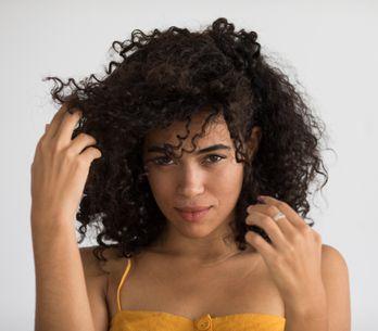 SOS cheveux gras ! Nos 9 solutions pour régler ça