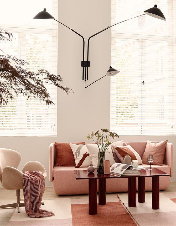 Un salon rose et terracotta