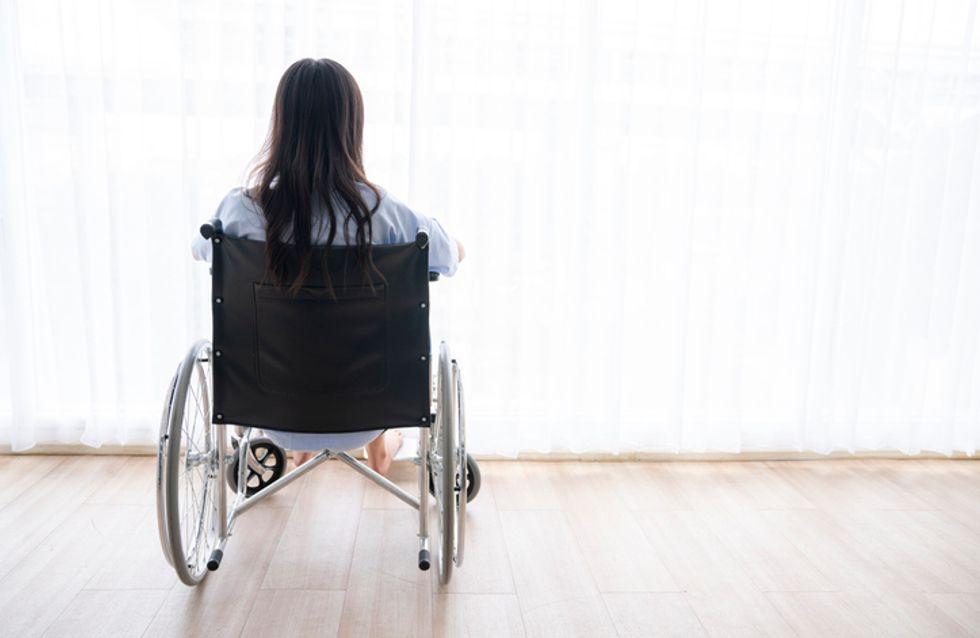 Privée d'auxiliaire de vie, Chloé, tétraplégique et étudiante à Sciences Po, lance un appel
