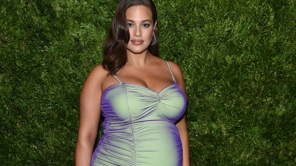 Ashley Graham è fiera delle sue smagliature post-partum