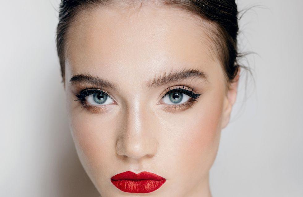 Come mettere l'eyeliner: i trucchi per un'applicazione veloce e perfetta