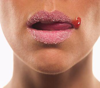 Exfoliante de labios: ¿por qué debes incluirlo en tu rutina?