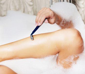 Comment éviter les petits boutons après l'épilation ou le rasage ?