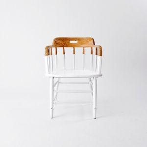 chaise peinte en blanc