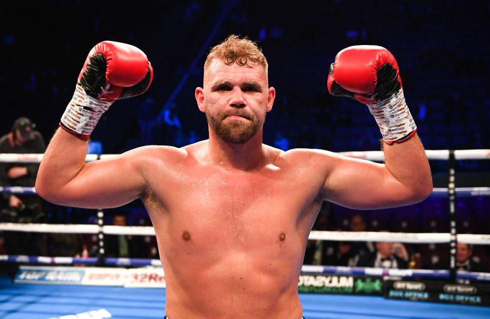 Un champion de boxe s'excuse après avoir expliqué comment frapper sa femme