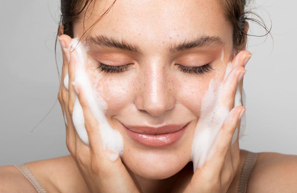 Pulizia viso fai da te: come farla a casa in 6 semplici step!