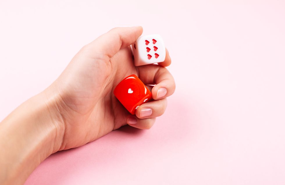 5 jeux érotiques pour pimenter vos soirées