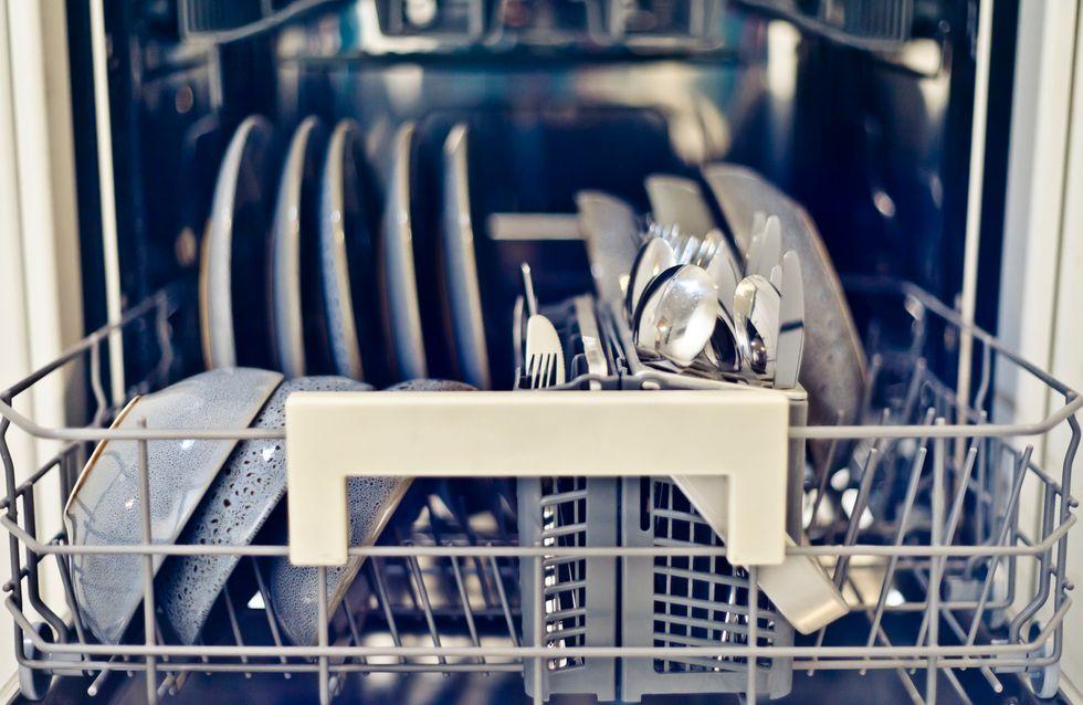 Die Spülmaschine stinkt? Das kannst du dagegen tun!