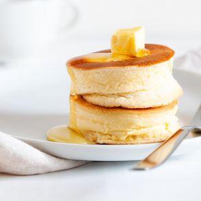 Fluffy Pancakes selber machen: So gelingt das Trend-Rezept aus Japan