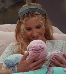 Voici ce que sont devenus les triplés à qui Phoebe donne naissance dans Friends
