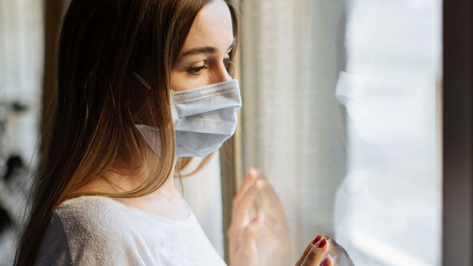 Una mascherina speciale per le donne vittime di violenza domestica
