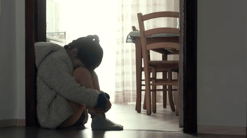 Une fillette de 10 ans se défenestre pour échapper à son père violent