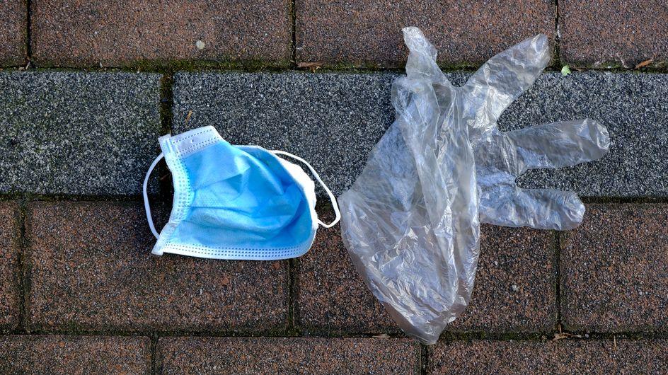 Masques jetés dans la rue ? Un député dépose un projet de loi augmentant l'amende