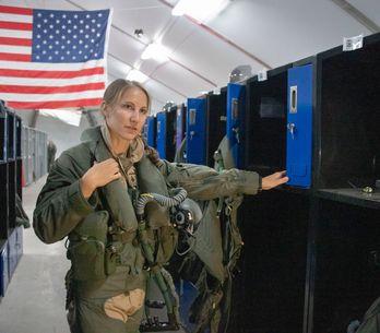 Emily Thompson devient la première femme à piloter l'avion de chasse F-35A au co