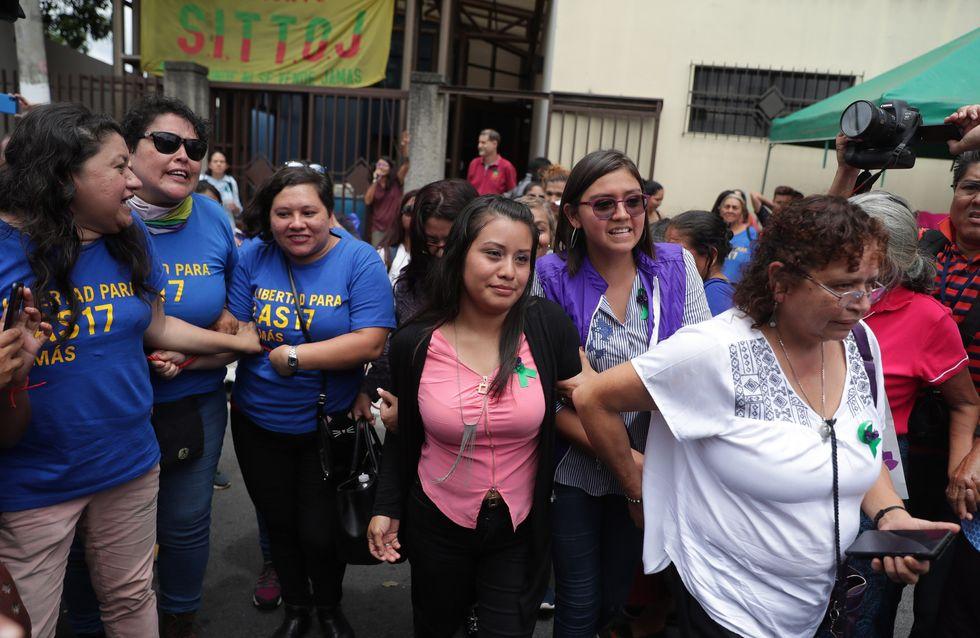 """Condamnée pour """"homicide"""" après une fausse couche, Evelyn Hernández est acquittée définitivement"""