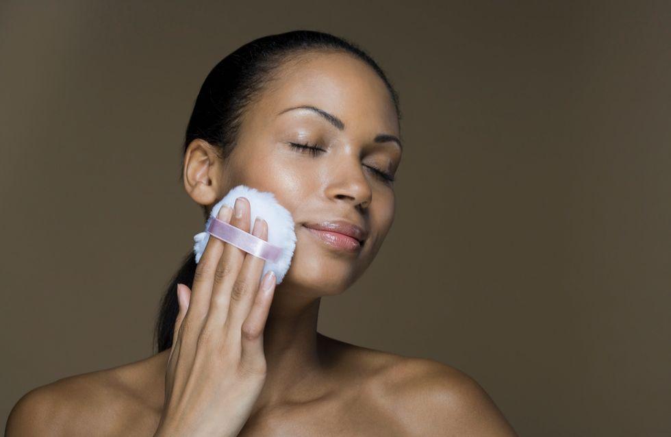 La poudre libre, cet indispensable maquillage à avoir dans sa trousse de beauté