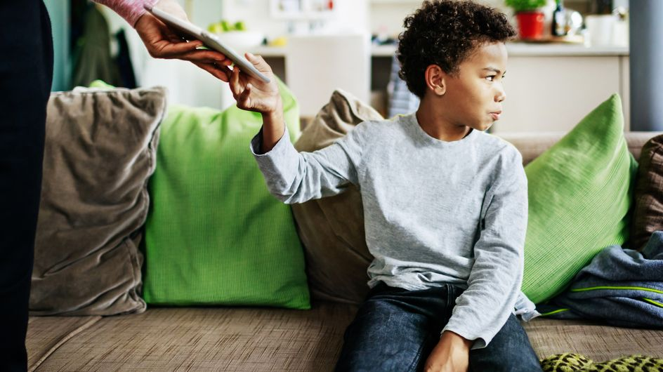 Hausarrest & Handyverbot: Muss man Kinder (heute) so bestrafen?