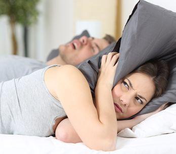 Come smettere di russare? Tutti gli accorgimenti utili