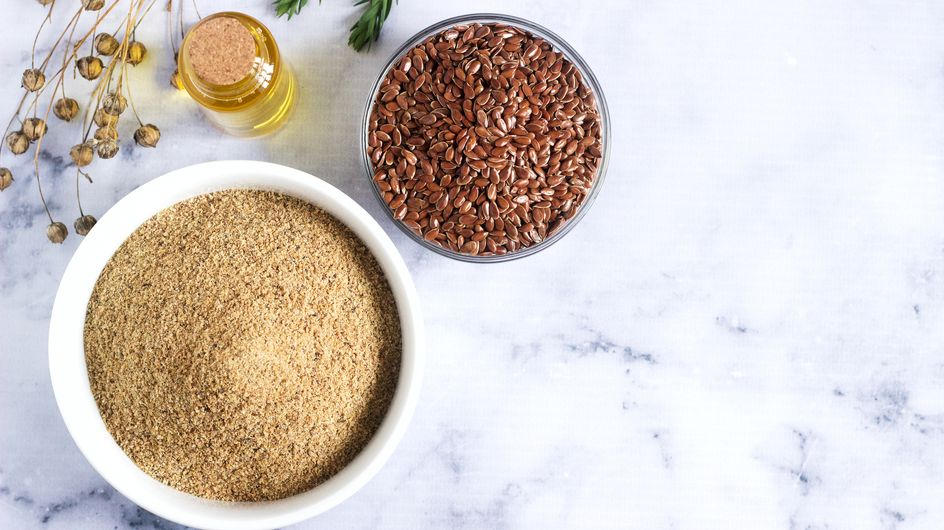 Farina di semi di lino: proprietà, benefici e ricette