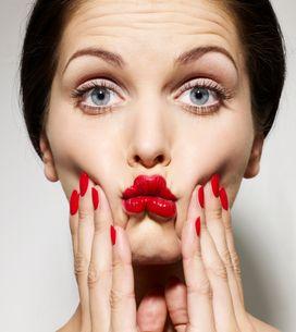 Yoga du visage : quelques exercices à faire devant son miroir