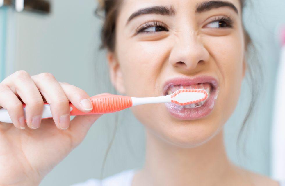 9 Fehler beim Zähne putzen, die du jeden Tag machst