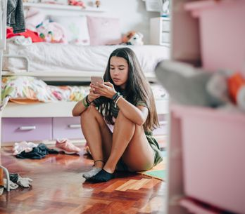 Sexting bei Jugendlichen: Wo lauern Gefahren und wie sollten Eltern reagieren?