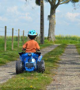 Mamme in moto: regole per trasportare bimbi su 2 ruote