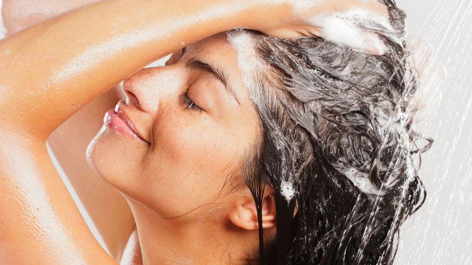 I nostri 4 shampoo preferiti per dire addio alla forfora!