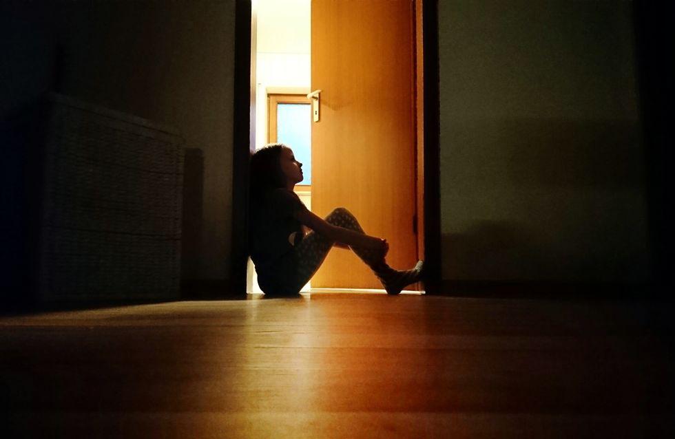 """""""L'école m'a sauvée"""" cette mère victime de maltraitance durant son enfance témoigne"""