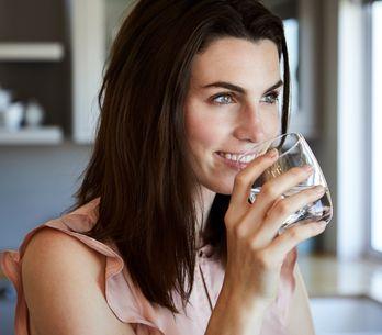Pancia gonfia: cause, rimedi efficaci e cosa mangiare per contrastarla