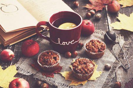 Muffin di mele e nocciole