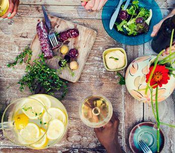 Come mangiare meno: 10 trucchi per ingannare la mente (e la fame)