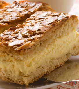 Bienenstich vom Blech: Schnelles Rezept für den Kuchenklassiker